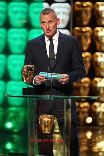 Christopher Eccleston presents the award for Leading Actress
