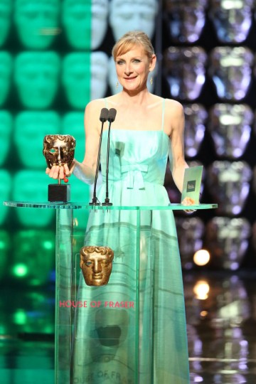 Lesley Sharp presents the award for Leading Actor