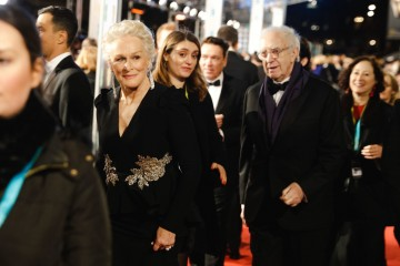 Glenn Close and Jonathan Pryce arrive on the red carpet