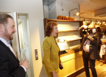 Cilla Black arrives at Rabot 1745 and greets her guests