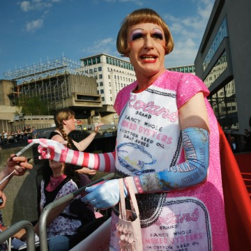 Grayson Perry looks amazing on the red carpet