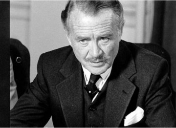 John Mills made a guest appearance in the film Gandhi. He played Lord Chelmsford, Viceroy to India during the period following WWI when, in reaction to the India Act of 1919, Gandhi led his countrymen in an act of total non cooperation.