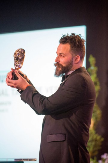 Cristobal Tapia de Veer wins the Original Music Award for National Treasure