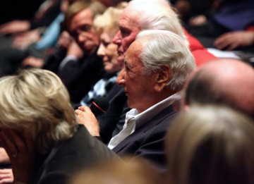 Michael Winner pays tribute to Lewis Gilbert from the audience