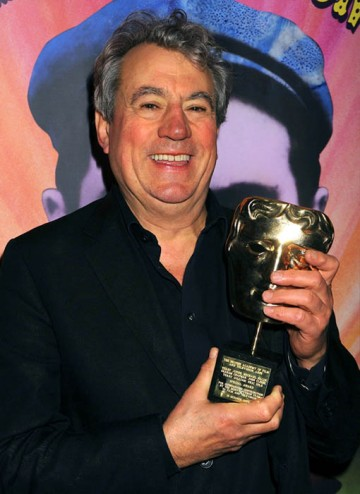 Eric Idle poses with his BAFTA Special Award at the Monty Python Reunion Event in New York on 15 October 2009 (© BAFTA)