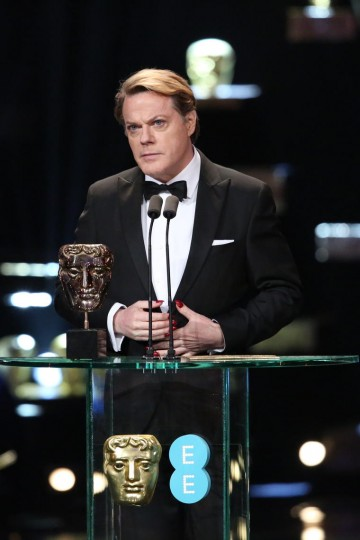 Eddie Izzard presents the award for Animation at the 2016 EE British Academy Film Awards
