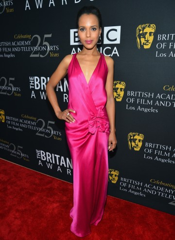 Actress Kerry Washington (Ray, The Last King of Scotland) made an impact in a fuschia, floor-length gown.