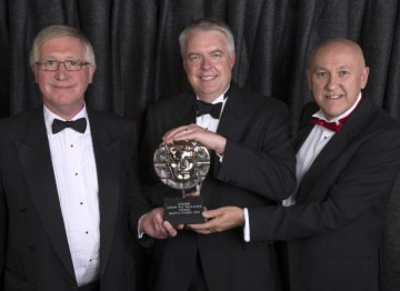 Phil George (L), Carwyn Jones (C), John Geraint (R)