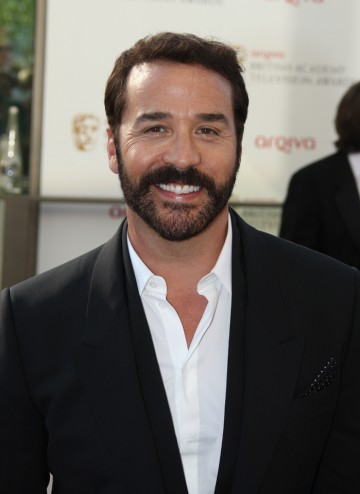Entourage's Ari gold will present the Entertainment Programme award alongside Katherine Kelly.