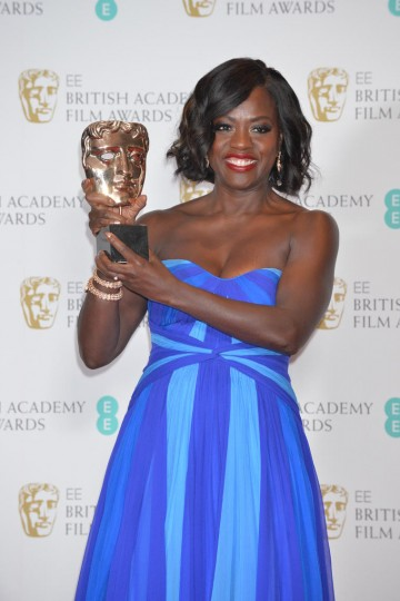 Viola Davis, winner of the Supporting Actress Award.