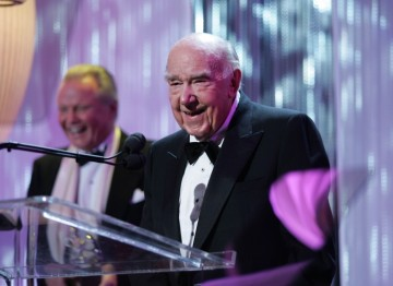 Ronald Neame, CBE receives the Cunard Britannia Award for Lifetime Contributions to International Film