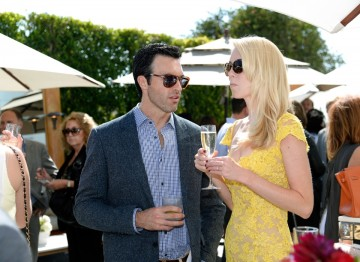 Actors Reid Scott and Elspeth Keller