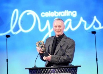 Neville Kidd accepted the Photography Factual BAFTA for his work on the BBC series A History of Scotland (BAFTA / Richard Kendal).
