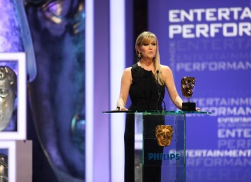 Ugle Betty actress Ashley Jensen presents the Entertainment Performance BAFTA. (BAFTA/Steve Butler)