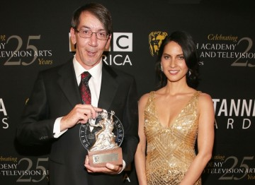 Video game designer Will Wright received the Albert R. Broccoli Britannia Award for Worldwide Contribution to Entertainment presented by Olivia Munn.