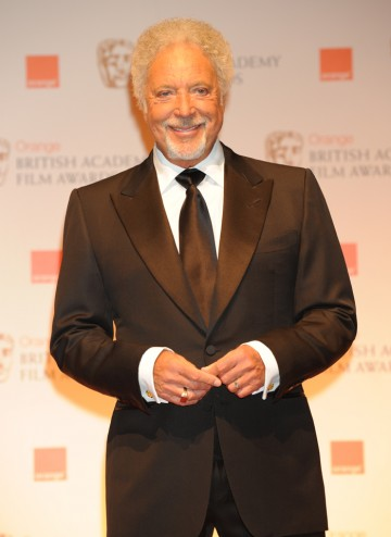 Crooner Tom Jones took to the stage to perform James Bond classic, Thunderball.