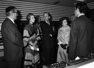 Richard Cawston, HRH The Princess Anne , HRH The Duke of Edinburgh, HRH Queen Elizabeth I, Lord Mountbatten and Peter Morley at the Royal Opening of 195 Piccadilly in 1976
