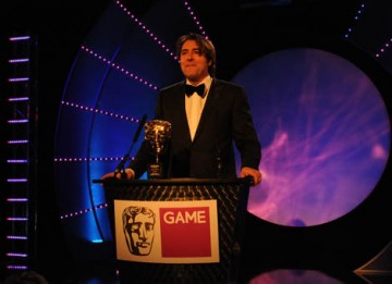 TV presenter and comedian Jonathan Ross introduces the illustrious career of Fellowship recipient, Nolan Bushnell (BAFTA / James Kennedy).