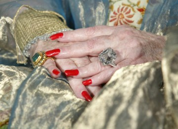 Dame Elizabeth Taylor's dazzling jewels