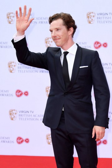 Benedict Cumberbatch waves to the crowd