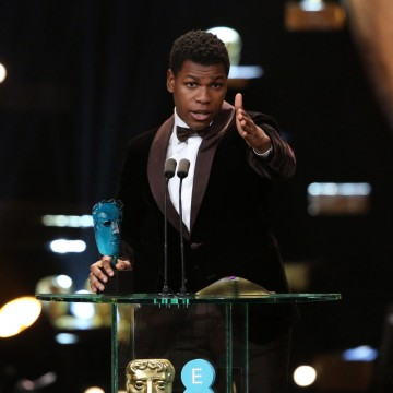Star Wars: The Force Awakens actor John Boyega accepts his EE Rising Star Award