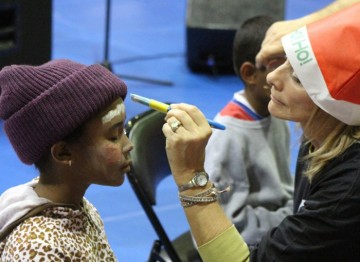 Members join the families of Inner-City Los Angeles to celebrate the Holiday Season.