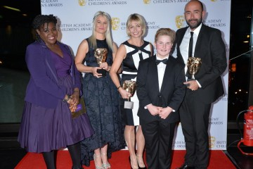 I Am Leo (My Life) wins the Factual category at the British Academy Children's Awards in 2015, presented by Maggie Aderin-Pocock.