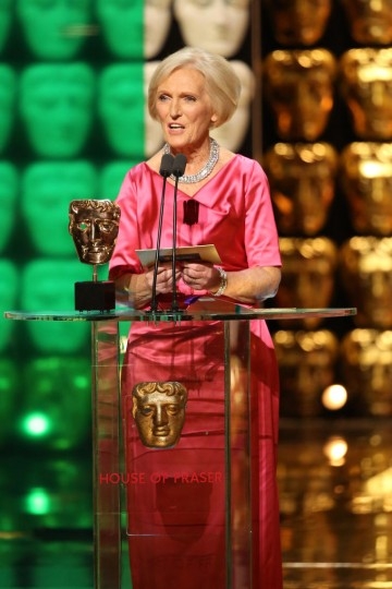 Mary Berry presents the award for Entertainment Performance