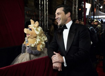 Jon Hamm and Miss Piggy at the 2012 Film Awards