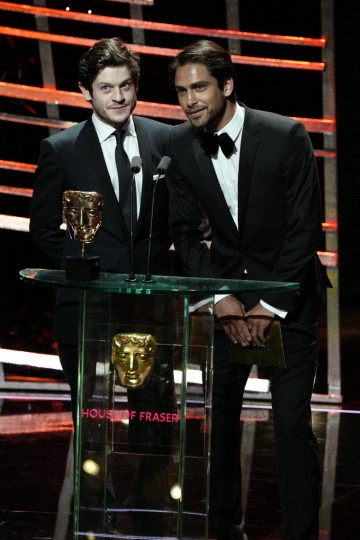 Iwan Rheon and Luke Pasqualino present the award for Live Event