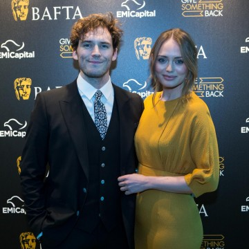 Sam Claflin and Laura Haddock stop for picture