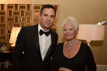 Honorees Mark Ruffalo (L) and Dame Judi Dench
