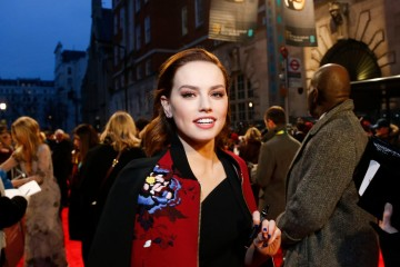 Daisy Ridley arrives on the red carpet