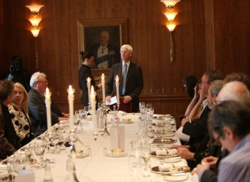 Academy Chairman Tim Corrie welcomes guests to the lunch and thanks Hackett for hosting the event.