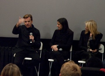 Ewan McGregor, Producer Belén Atienza, and Naomi Watts