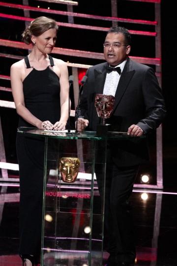 Krishnan Guru Murphy & Katie Derham present the award for Factual Series
