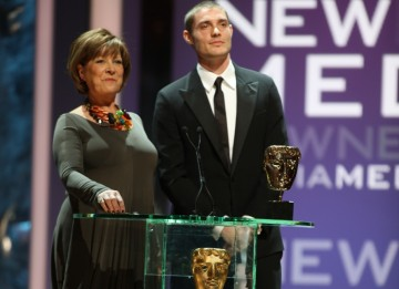 Lynda Bellingham and actor Max Brown present the New Media BAFTA. (BAFTA/Steve Butler)