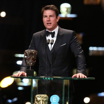 Tom Cruise presents the award for Best Film at the 2016 EE British Academy Film Awards
