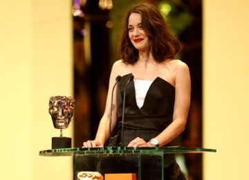 Last year's Leading Actress recipient Marion Cotillard returned to present the Leading Actor Award (BAFTA / Marc Hoberman).