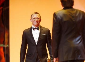 Mr Bond himself Daniel Craig walks on stage to crown this year's Leading Actress (BAFTA / Marc Hoberman).