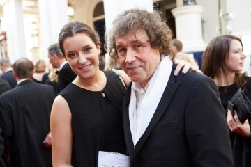 Supporting Actor nominee Stephen Rea mingles on the red carpet