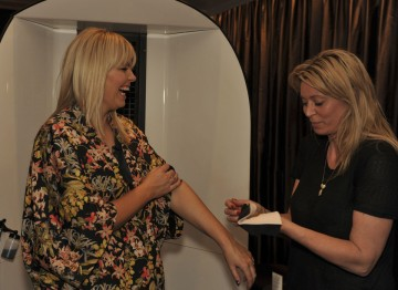Kate Thornton gets top tips on how to apply the perfect tan from a St Tropez tanning expert.