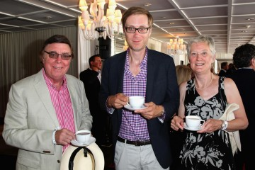 Stephen Merchant and family