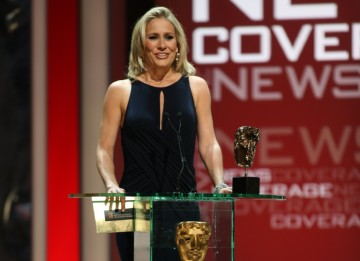 News reader Sophie Raworth presents the News Coverage Academy Award.(BAFTA/Steve Butler)