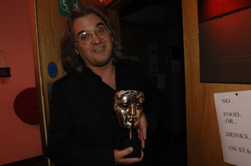 Paul Greengrass backstage with his BAFTA for directing United 93 (BAFTA / Liam Daniel).