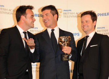 Special Award Simon Cowell winner with fellow BAFTA winners Anthony McPartlin and Declan Donnelly (BAFTA/Richard Kendal).