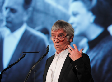 Sir Tom Courtenay starred in Dr. Zhivago.
