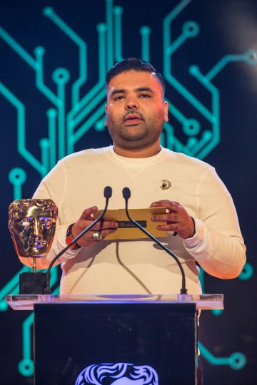 DJ Naughty Boy presents the award for Best Game