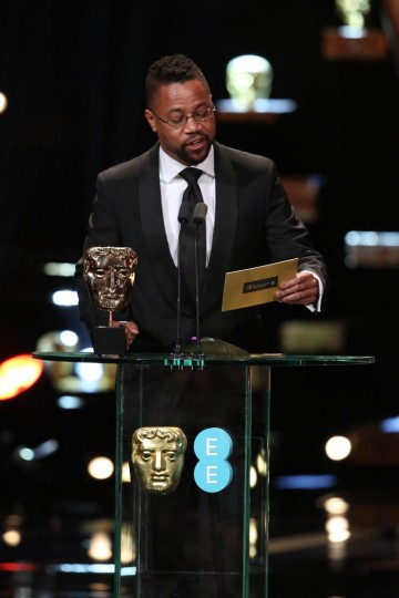 Cuba Gooding Jr. presents the award for Original Screenplay at the 2016 EE British Academy Film Awards