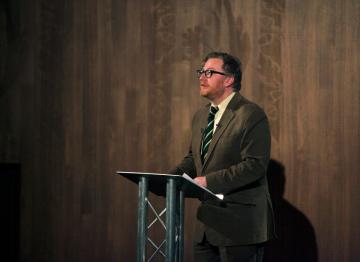 Matthew Sweet at the podium.